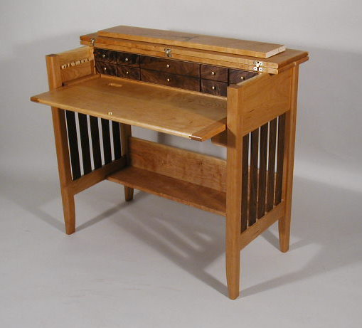 Beautiful Woodwork Fly Tying Workbench Plans PDF Plans